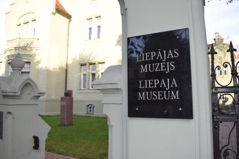 Liepājas muzejs aicina uz lekciju par dzimtas koka izpēti un veidošanu