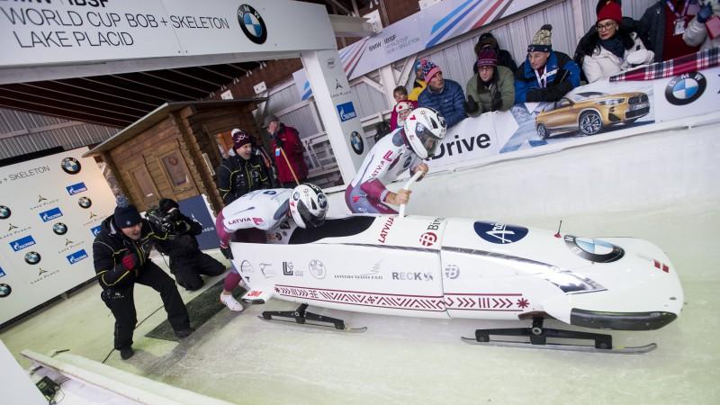 Latviešiem otrajā braucienā izdodas pacelties, Beskjū pirmā uzvara karjerā