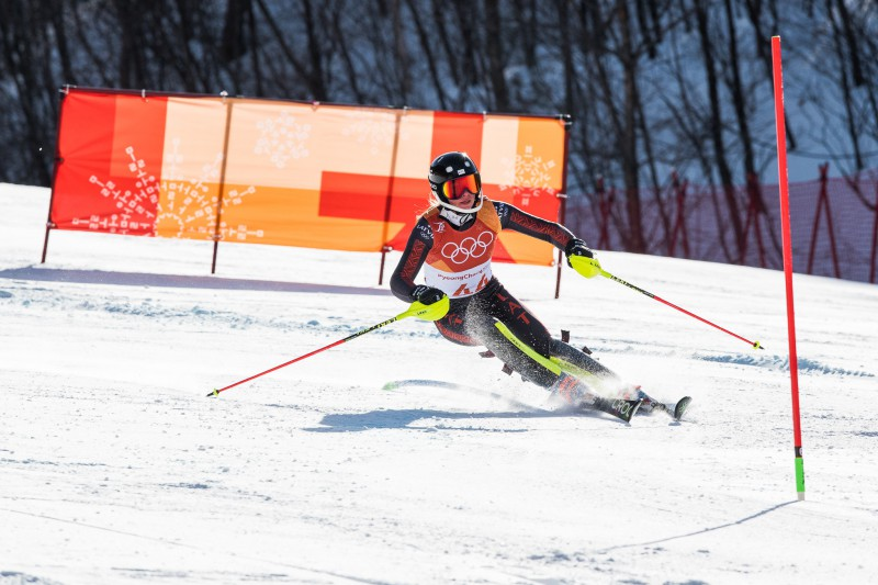 Gasūnai 37. vieta slalomā, uzvar pieredzējusī Hansdotere