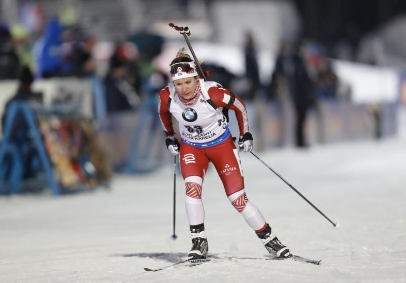 Biatlona sezonas starts ar jaukto stafeti Pokļukā