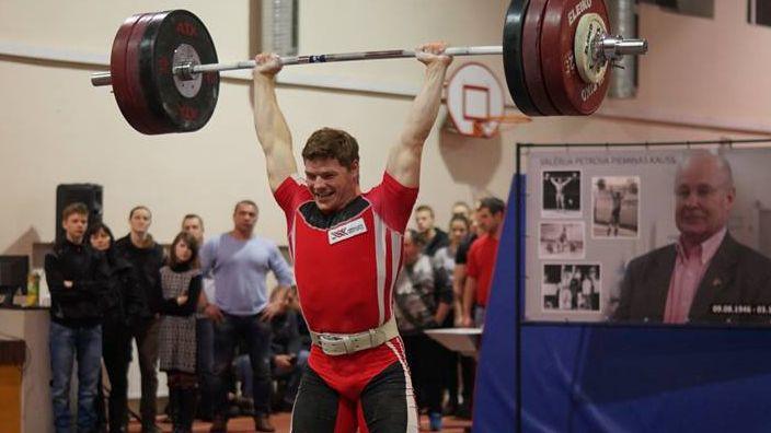 Svarcēlājs Koževņikovs izcīna ceturto vietu Eiropas čempionātā
