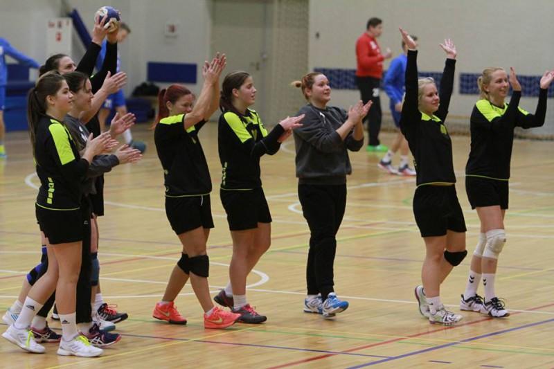 Stopiņu NHK handbolistes trešo gadu pēc kārtas triumfē Latvijas čempionātā