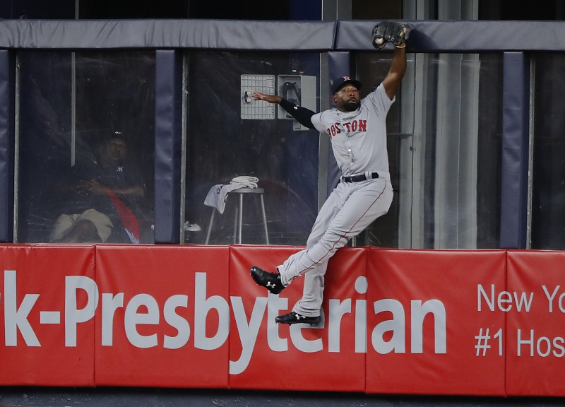 """Red Sox"" revanšējas ""Yankees"" ar 11:0"
