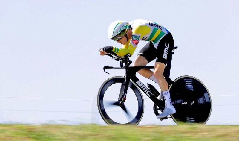 """Austrālietis Deniss izcīna uzvaru """"Vuelta a Espana"""" individuālajā braucienā"""