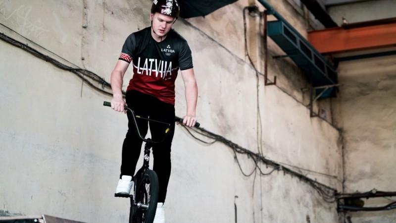 Vīksna olimpiādē izcīna trešo vietu BMX frīstailā, Vismane traumas dēļ nesāk spēli