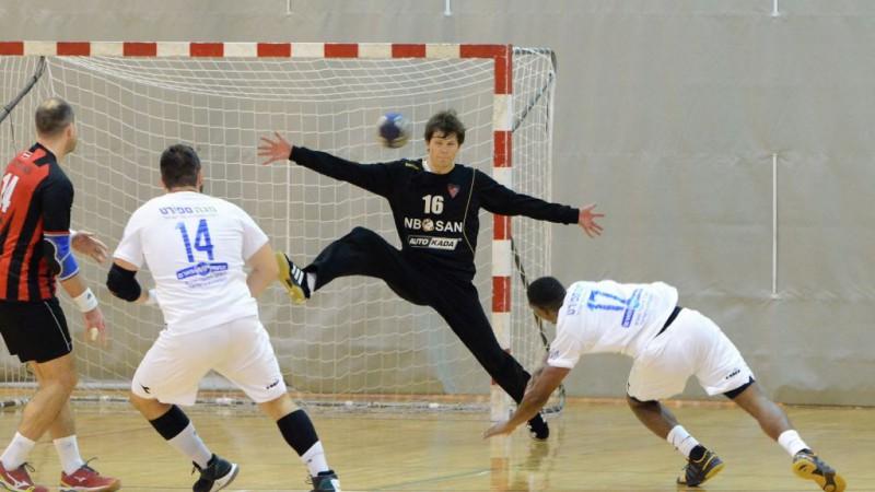 """""""Celtnieka"""" handbolisti nenotur pārsvaru un izstājas no EHF Izaicinājuma kausa"""