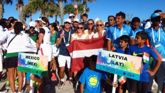 Latvijai 10. un 12. vieta pasaules komandu čempionātā tenisā senioriem
