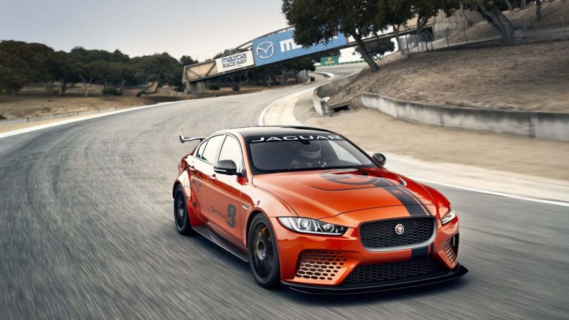 """""""Jaguar"""" izveido sacīkšu čempionātu padzīvojušiem bagātniekiem"""