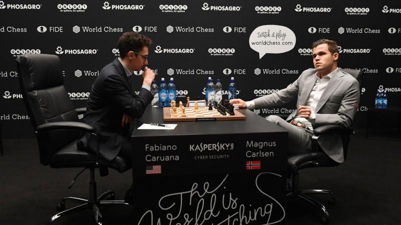 Šahā bez pārmaiņām - arī 8. duelis par pasaules čempiona titulu beidzas neizšķirti