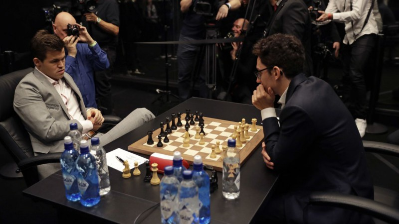 Kārlsena un Karuanas kaujā atkal neizšķirts, uzvarētāju lūkos noskaidrot taibreikā