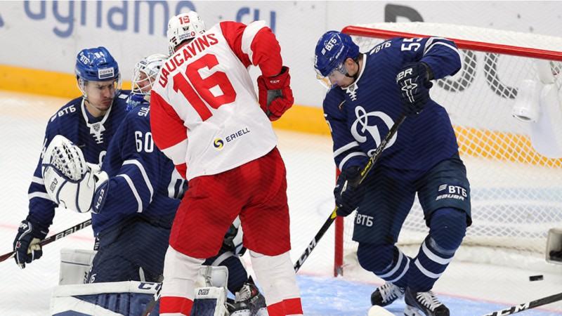 """Daugaviņam un Karsumam pa piespēlei, """"Spartak"""" minimāli zaudē KHL līderei CSKA"""