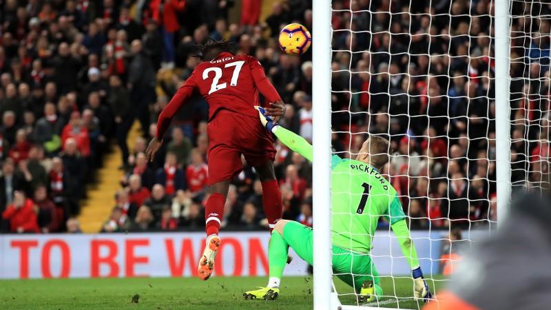 """Pikfords kompensācijas laikā neticami kļūdās un derbijā uzdāvina uzvaru """"Liverpool"""""""