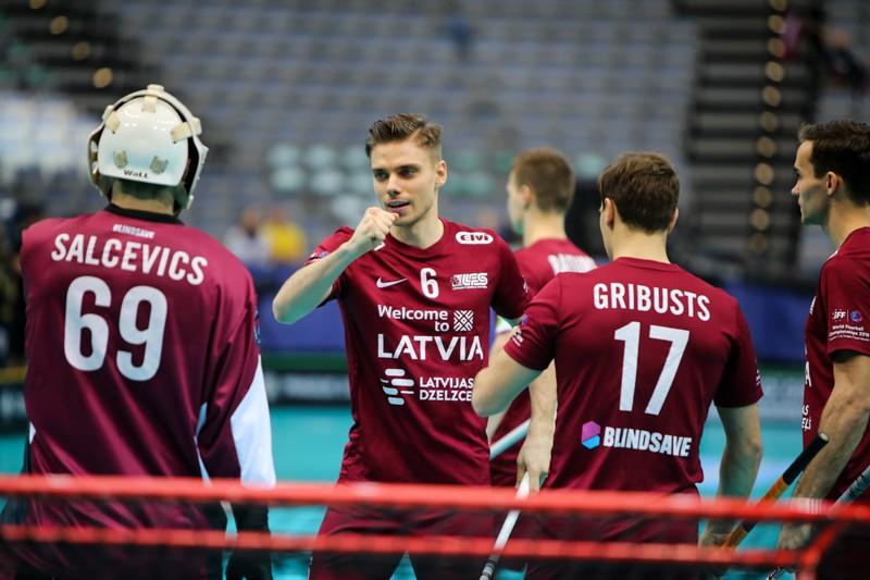 Latvieši cīņu par 5. vietu pasaulē sāks pret norvēģiem