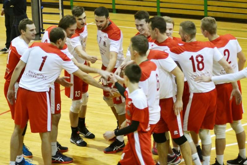 Piecu setu trilleros uzvar Jēkabpils un Daugavpils volejbolisti