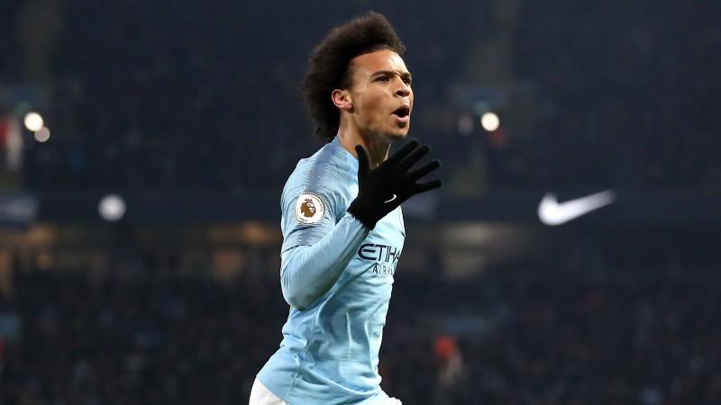 """Sanē skaists gols atved """"City"""" ļoti svarīgu uzvaru pār līderi """"Liverpool"""""""
