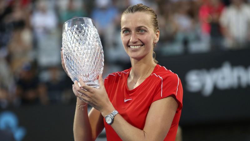 """Kvitova """"pamostas"""" un triumfē Sidnejā, Keninai pirmais tituls"""