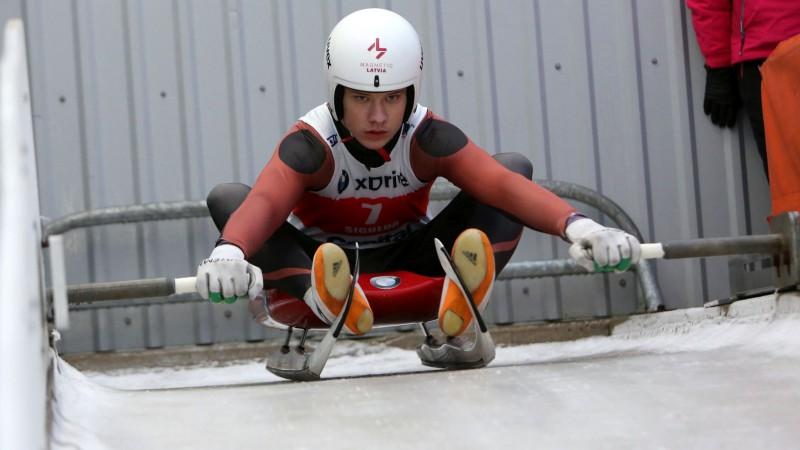 Talantīgajam Bērziņam astotā vieta pasaules junioru čempionātā kamaniņu sportā