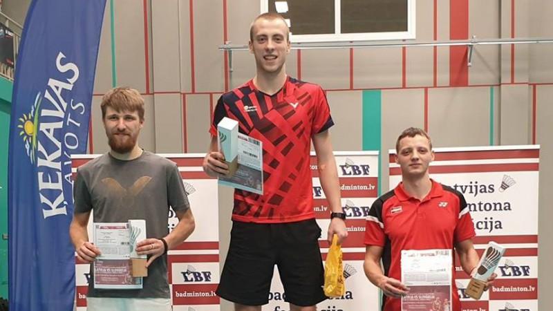 Podosinoviks piekto gadu pēc kārtas uzvar Latvijas čempionātā badmintonā