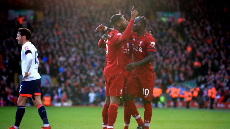 """""""Liverpool"""" atgriežas uz uzvaru takas, """"Arsenal"""" pieveic līgas pastarīti"""