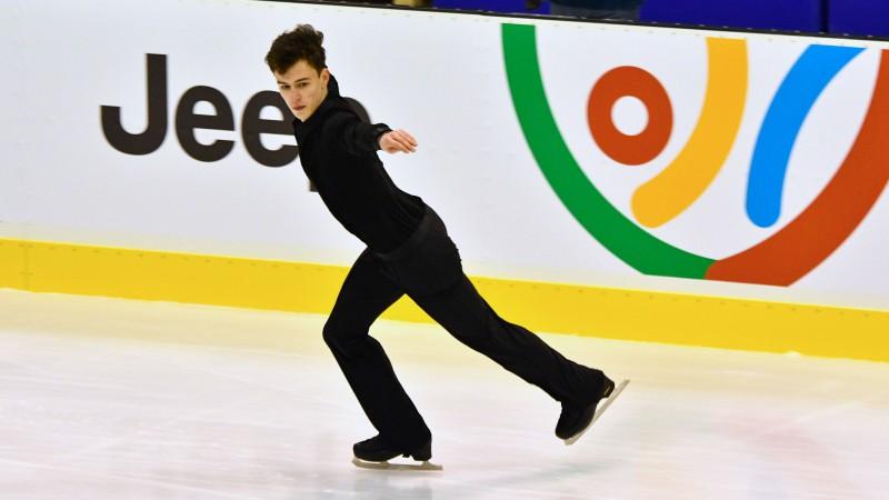 Daiļslidotājs Pavlovs trešais pēc īsās programmas Eiropas jaunatnes Ziemas Olimpiādē