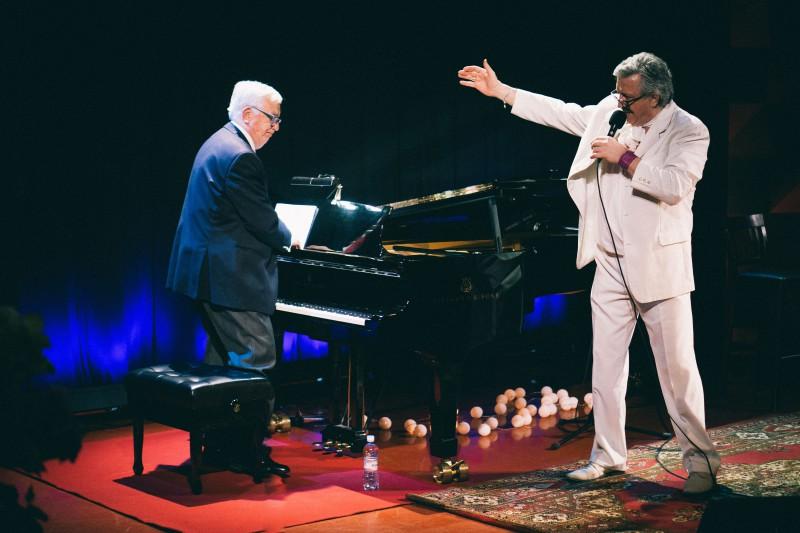 Maestro Pauls rada īpašu programmu dziedošajam aktierim Andrim Bērziņam