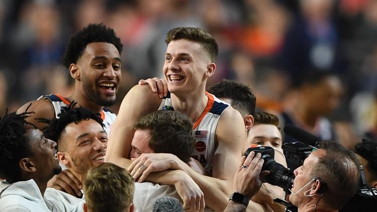 """""""Virginia"""" gadu pēc šokējošās izstāšanās sasniedz NCAA finālu"""