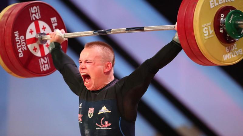 Svarcēlājs Suharevs izcīna bronzu Eiropas čempionātā