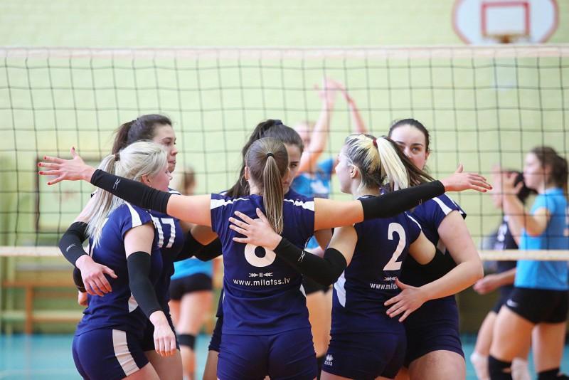 """Bronzas medaļas Latvijas čempionātā izcīna VK """"miLATss"""" volejbolistes"""
