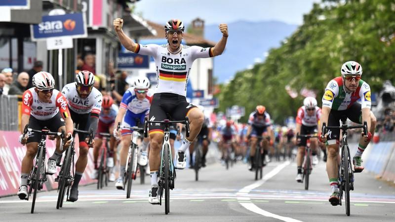"""Neilanda komandas biedrs sestais """"Giro d'Italia"""" otrajā posmā"""