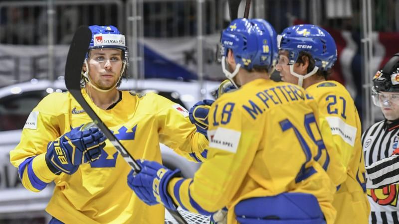 PČ 7. diena: Zviedrija ar kārtējiem papildinājumiem eksaminēs Austriju