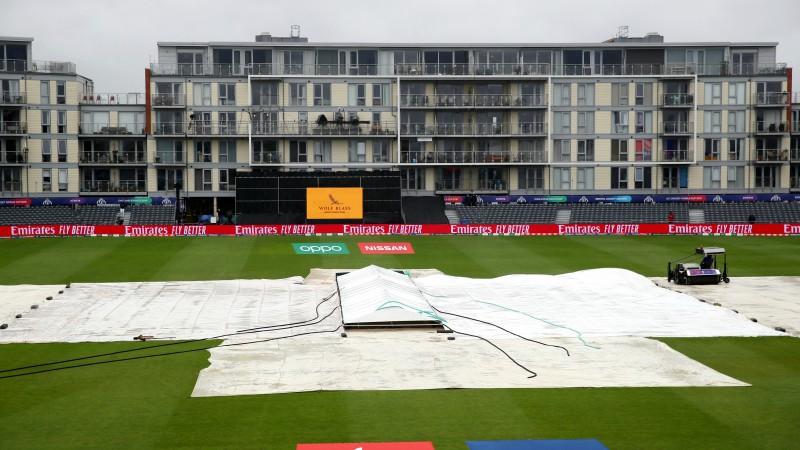 Lietus dēļ kriketa Pasaules kausā atceļ otro spēli pēc kārtas