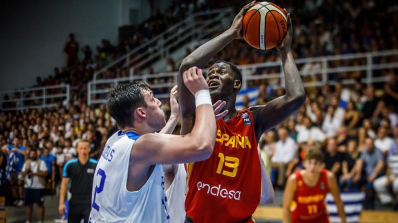 Garuvam 18+19, Spānija atspēlējas un U18 EČ finālā spēlēs ar Turciju