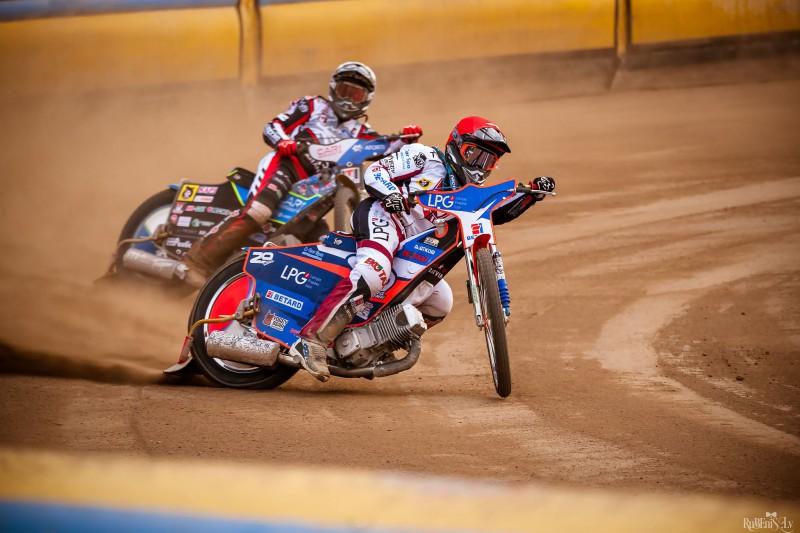 Ļebedevs un Lahti - SEC trešajā finālposmā Vojensā