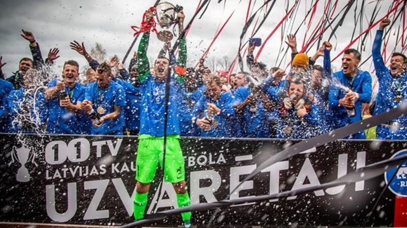 """RFS iegūst pirmo trofeju, Latvijas kausa fināla pagarinājumā pieveicot """"Jelgavu"""""""