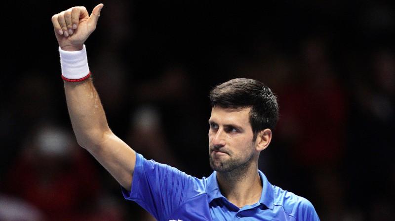 """Džokovičs pasniedz mācību stundu """"ATP Finals"""" debitantam Berretīni"""