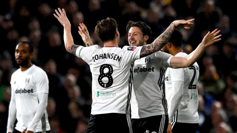 """""""Fulham"""" no kausa izslēdz """"Aston Villa"""", Ņūkāslai, Vatfordai un """"Man Utd"""" vajadzēs atbildes mačus"""