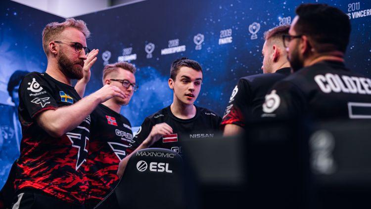 """Latvijas e-sportists broky palīdz komandai ar uzvaru sākt """"ESL Pro League"""""""