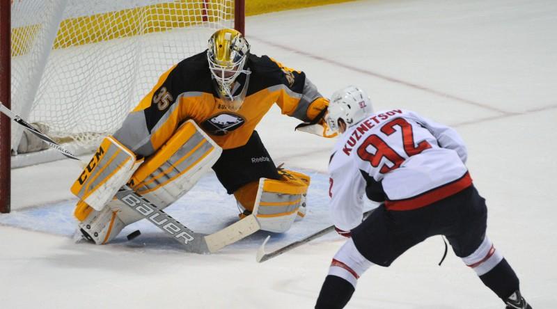 Kalniņš arī nākamsezon spēles minūtes dalīs ar bijušo NHL vārtsargu