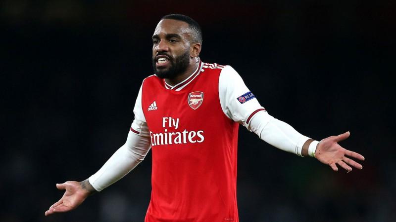 """Lakazets atkal niekojas ar smieklu gāzi, """"Arsenal"""" pieņems mērus"""