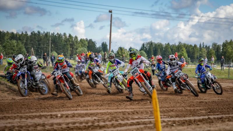 Veterānam Leonam Kozlovskim Ķeguma motokrosā kārtējā uzvara