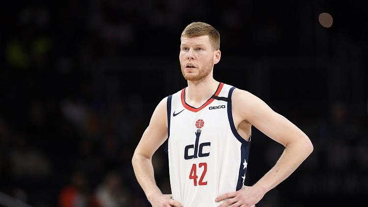 """NBA nevēlas nākamajā sezonā spēlēt """"burbulī"""""""