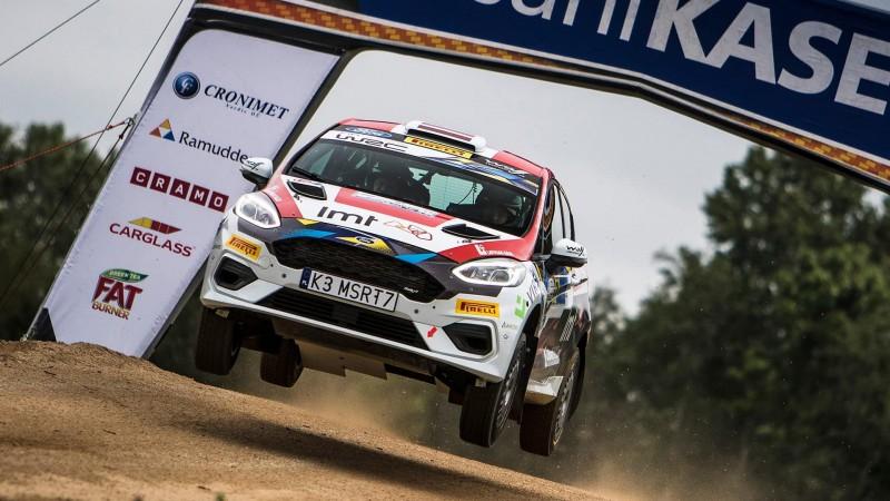 Seska ekipāža Sardīnijas WRC rallijā izcīna 3.vietu JWRC klasē