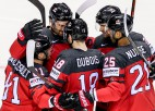Kanāda demonstrē uzbrukuma spēku un uzvar Košices grupā, ASV zaudē Larkinu