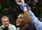 Heinijs aizstāv WBC titulu, Donaire ar iespaidīgu sniegumu atkal čempiona godā