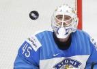 Pasaules čempionāta dalībnieki mēģina izrunāt latviešu hokeja terminus