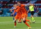 """Video: """"Euro 2020"""" cīņā pieci vārti 33 minūtēs, Nīderlande pieveic Ukrainu"""