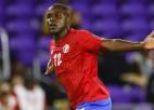 Kostarika iesit trīs vārtus uzvarā, Surinamai neveiksme debijā Zelta kausā