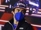 """Alonso tuvu tam, lai sēdētu pie """"Alpine-Renault"""" stūres arī nākamsezon"""