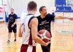 Valstsvienības galvenais treneris Banki vadījis semināru jaunatnes basketbola treneriem