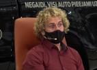 """Video: Motosporta """"eXis"""" Karro atklāti un emocionāli par tēva lomu viņa karjerā"""